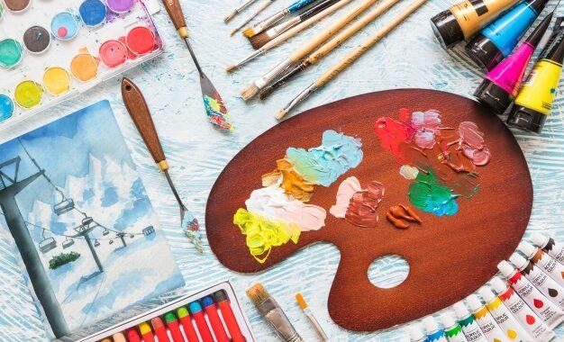 maquete-de-lona-com-materiais-de-pintura_23-2148001146[1]